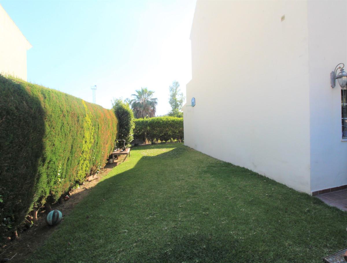 Rijhuis te koop in Nueva Andalucía R3630395