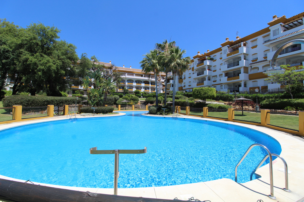 Fantastic investment opportunity in Nagueles- Marbella.   Beautiful middle floor apartment in good c, Spain