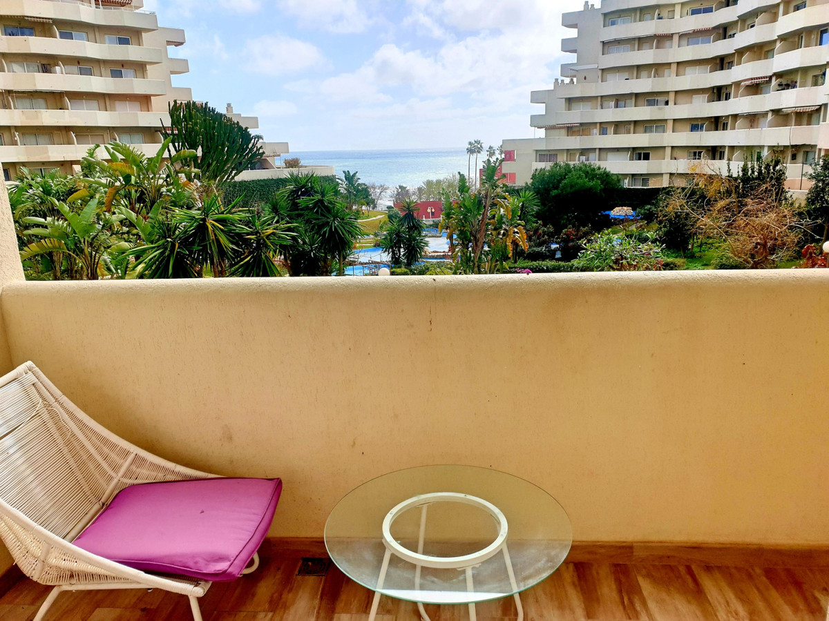 BEACHSIDE STUDIO IN BENAL BEACH WITH DIRECT SEAVIEWS. - Superb opportunity to buy an exceptional mod,Spain