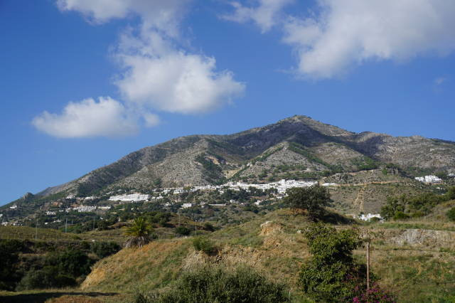 BARGAIN PRICED RESIDENTIAL PLOT IN  MIJAS.€125,000 - One of the most beautiful backdrops is Mijas Pu, Spain