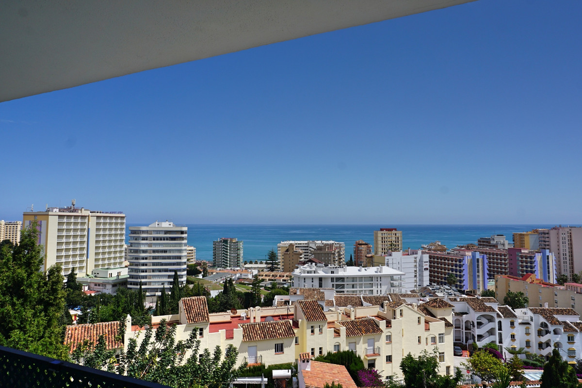 PANORAMIC SEA VIEW VILLA IN FUENGIROLA CLOSE TO THE BEACH - Located in the lower part of Torreblanca, Spain
