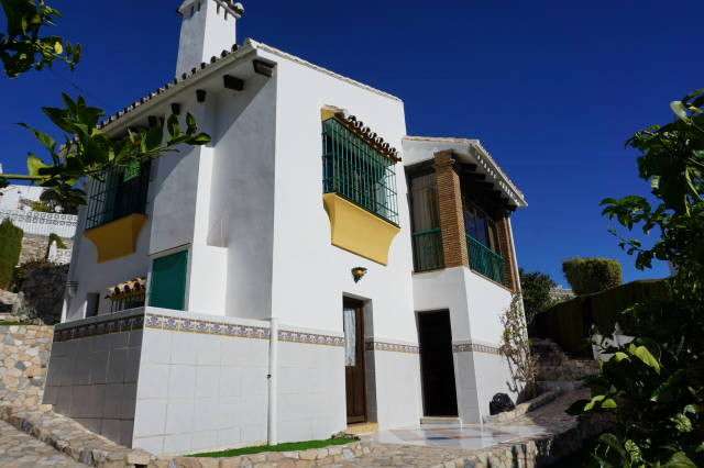VILLA WITH SEPARATE APARTMENT CLOSE TO BEACH AND AMENITIES- Detached Andalucian style villa within a, Spain