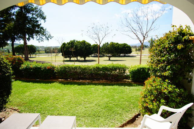 ABSOLUTELY FRONT LINE GOLF TOWNHOUSE- CHEAPEST DEAL- FOR INVESTORS - This prime location townhouse o, Spain