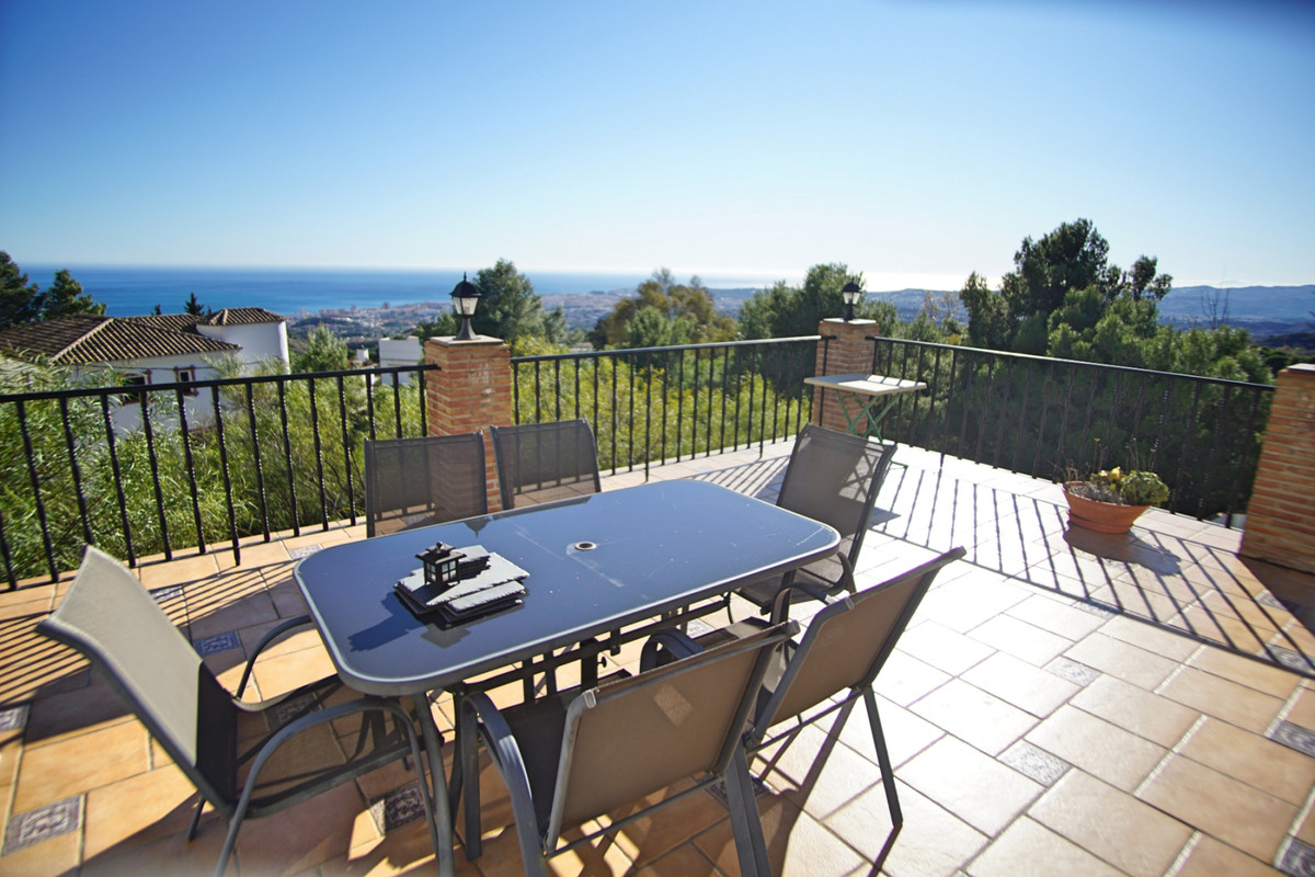 VILLA MIJAS PUEBLO WITH PANORAMIC SEA VIEWS AND 2 PLOTS in one of the most sought after urbanization, Spain