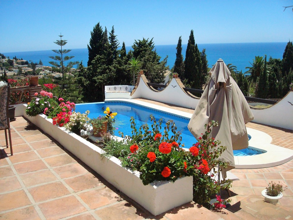 UNIQUE PROPERTY WITH THE MOST SPECTACULAR VIEWS ON THE COAST This beautiful villa consists of 5 bedr, Spain