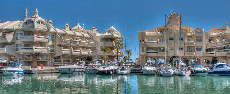 Stunning apartment is located right in the center of the exclusive Puerto Marina in Benalmadena righ,Spain