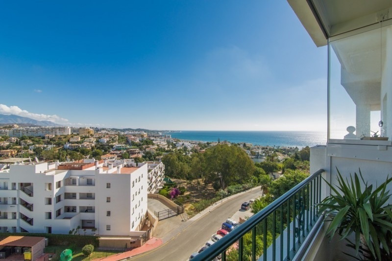 LUXURY APARTMENT- MIRAFLORES GOLF- Newly renovated and spacious apartment in a prime location with s,Spain