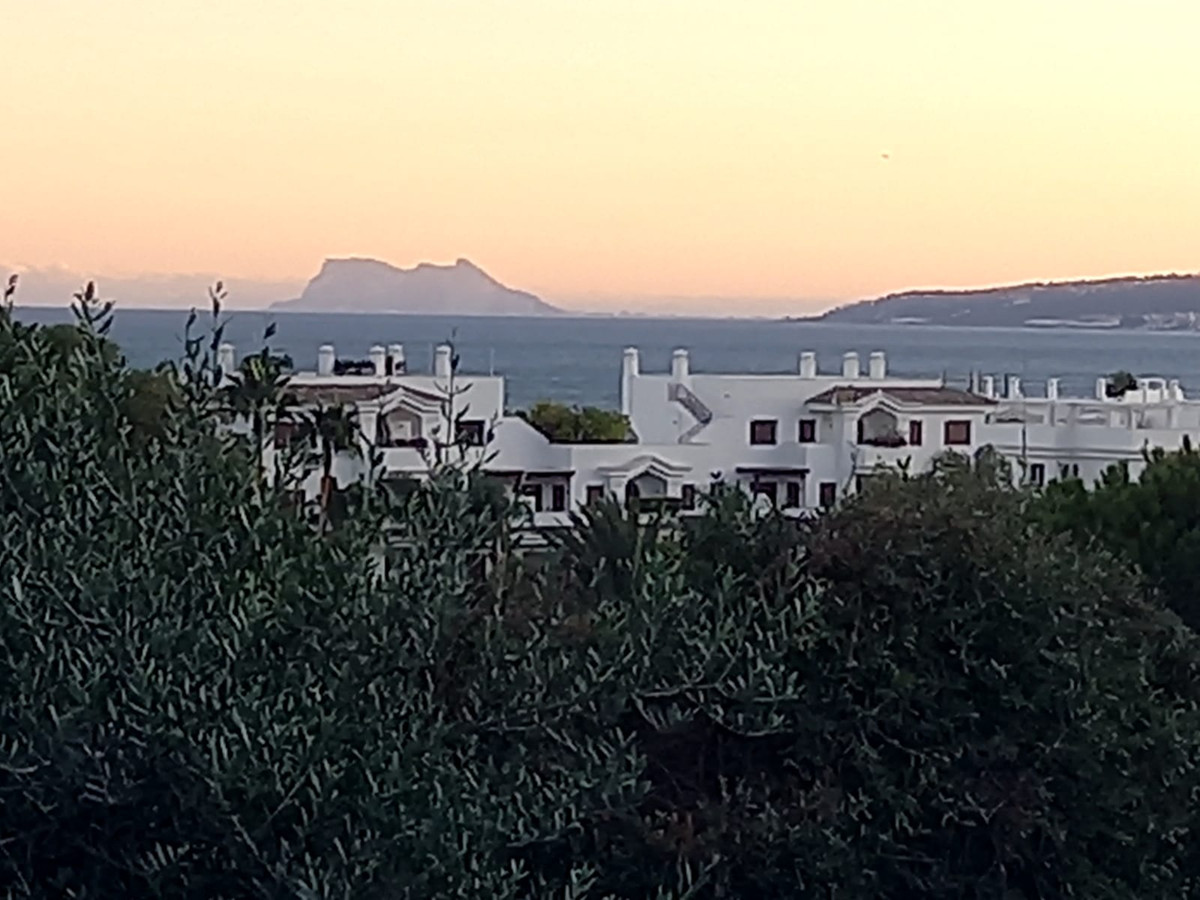 Totally refurbished 1 bedroom apartment 200 m from the beach. The property consists of a fully equip,Spain