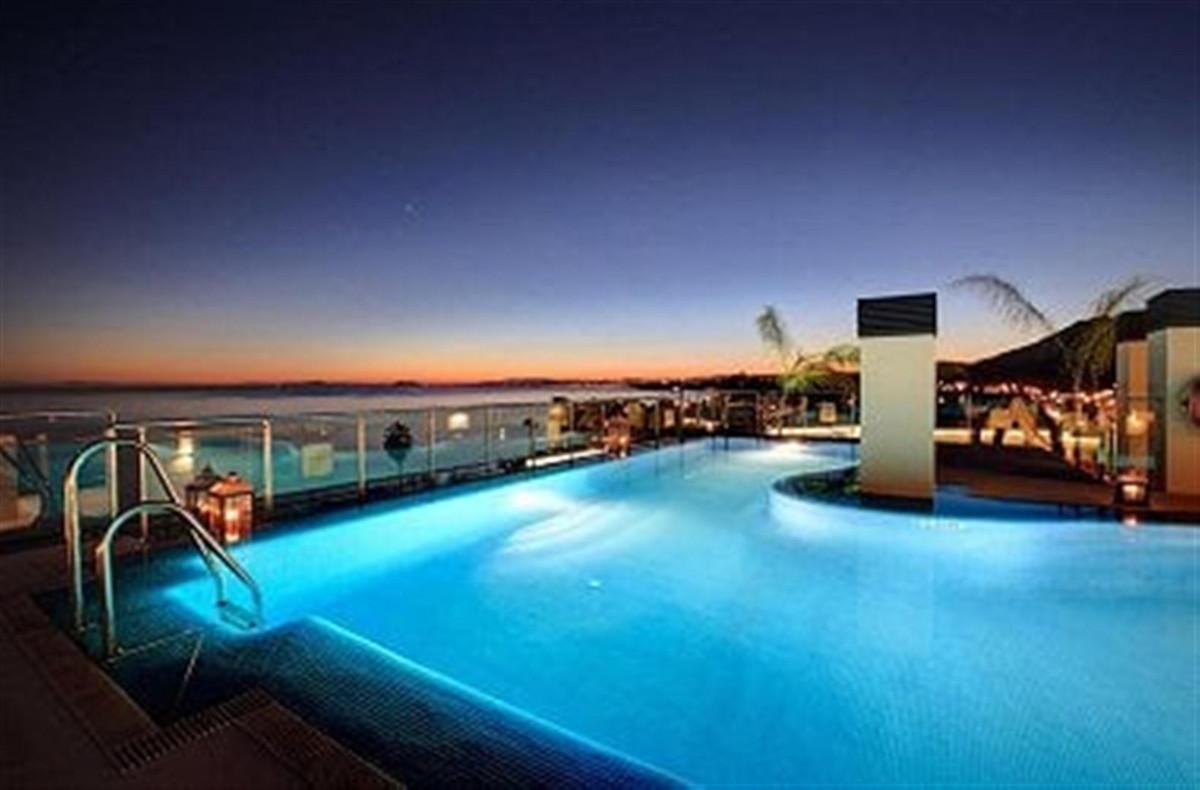 Marbella Banus Apartamento en Venta en Benamara – R3864481