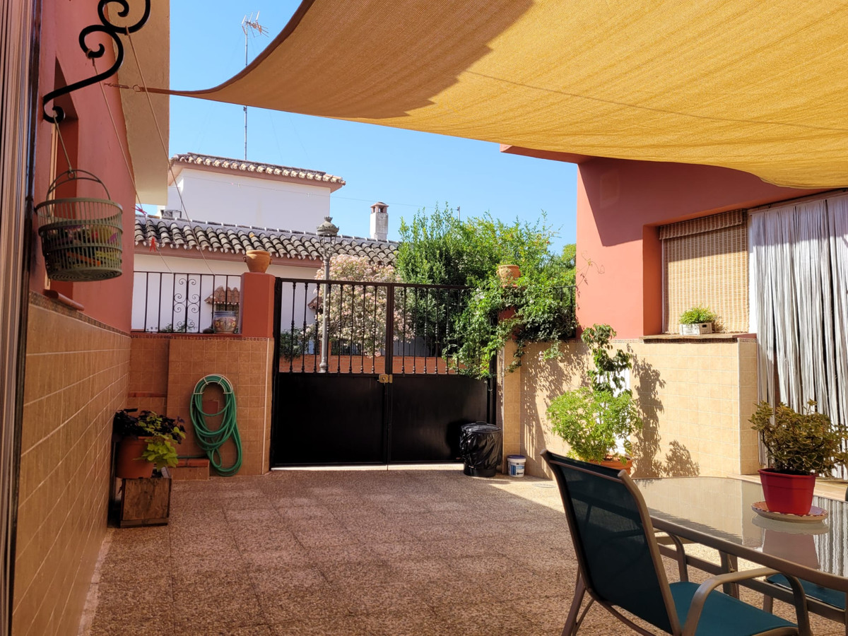 House - Estepona - R3893119 - mibgroup.es