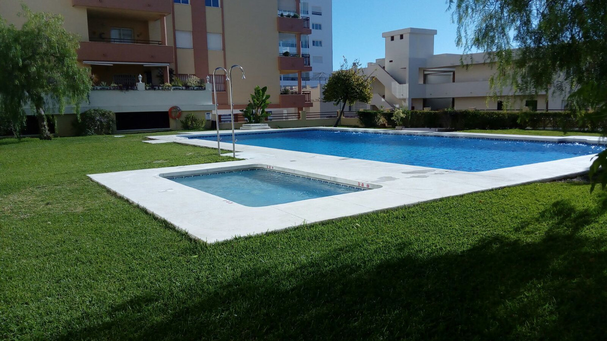 Fantastic 3 bbedroom apartment located in a Golf area in Torrequebrada, the price includes 2 storage, Spain