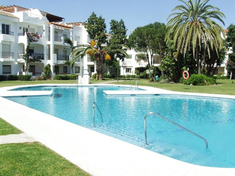 Located in one of the more established communities along the New Golden Mile, this charming three-st,Spain
