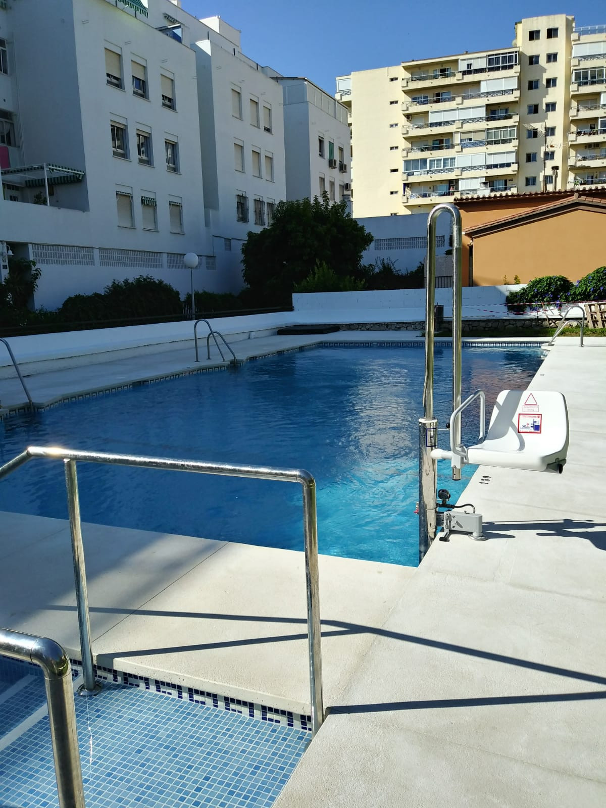 Just 100m from the beach, surrounded by all sort of amenities in the very sought after 4 bedroom apa, Spain