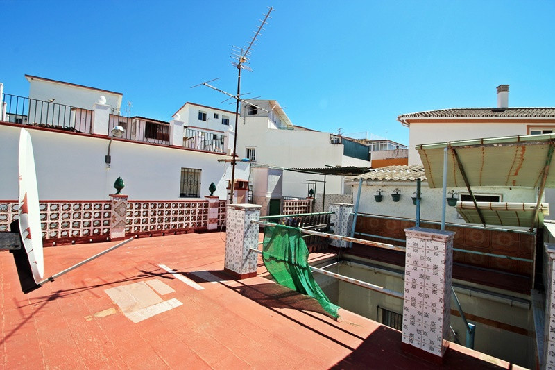 Opportunity for investors! House in the center of