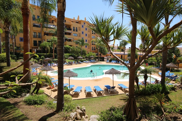 2 Bedroom apartment in San Pedro de Alcantara, close to the beach and restaurants. This good size gr,Spain