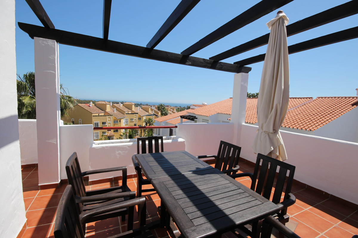 Penthouse with stunning Sea and Mountain views in the new golden mile, Estepona.  This fantastic apa, Spain