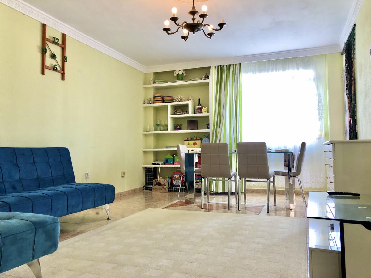 Apartamento Planta Media 3 Dormitorio(s) en Venta San Pedro de Alcántara