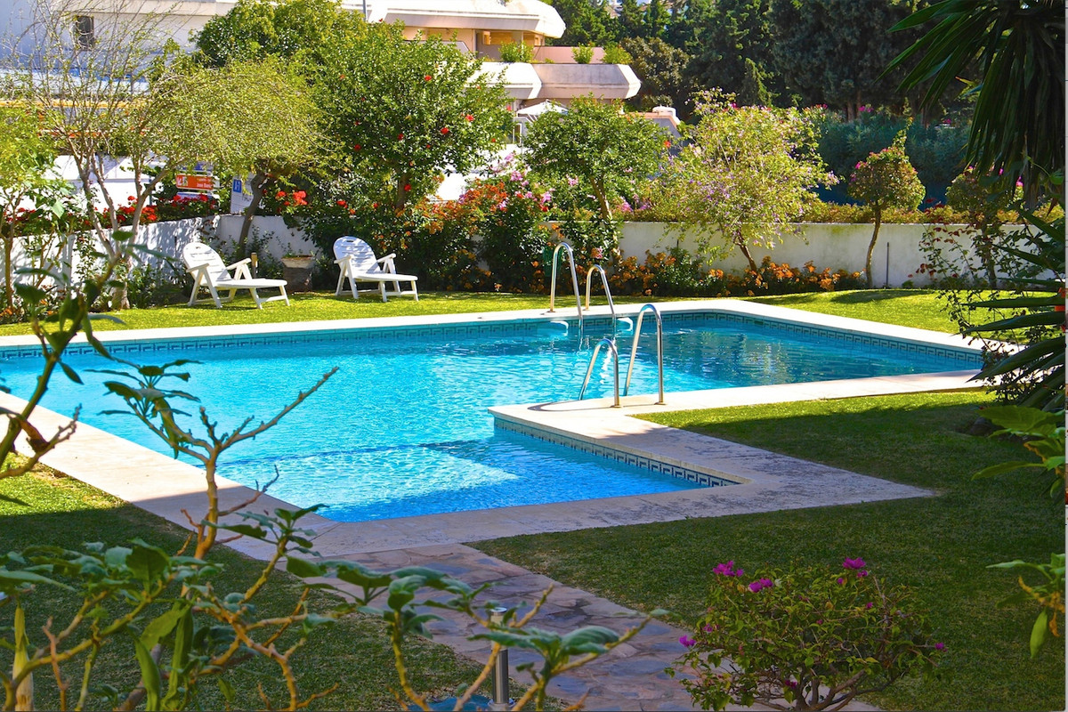 Great location! 10mins walking to Puerto Banus! Lovely apartment with one  bedroom could be perfect ,Spain