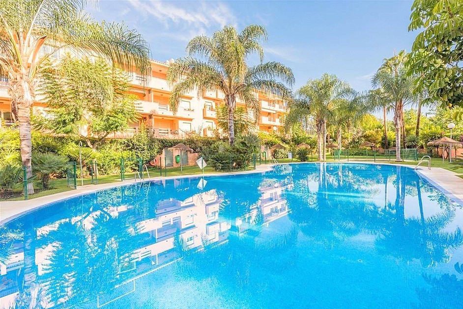 Wonderful apartment with 2 bedrooms, 2 bathrooms, just only in 500 m from the sea and sandy beach!  ,Spain