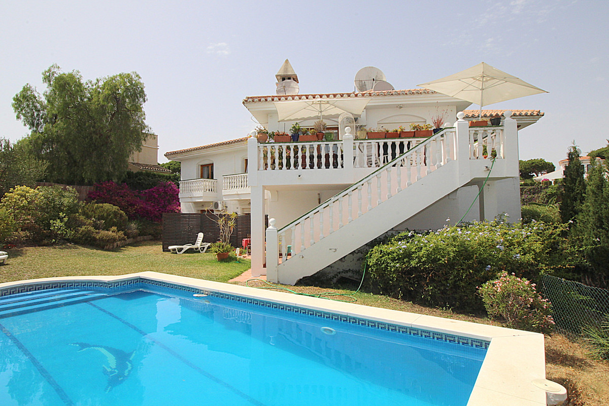 Marbella Banus Villa en Venta en Calahonda – R3466147