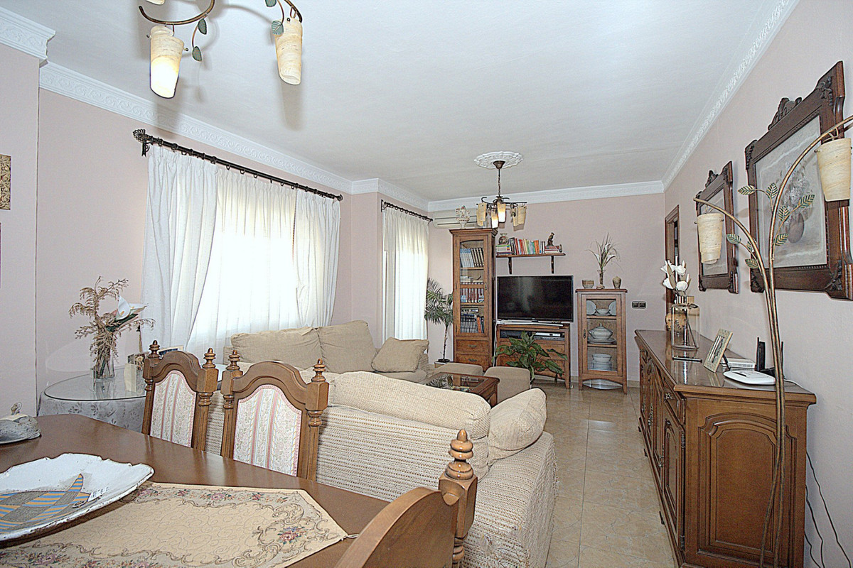 Apartamento 3 Dormitorios en Venta Coín