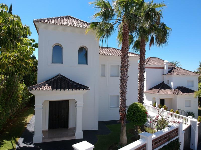 Marbella Banus Villa – Chalet en venta en Guadalmina Alta – R2805086