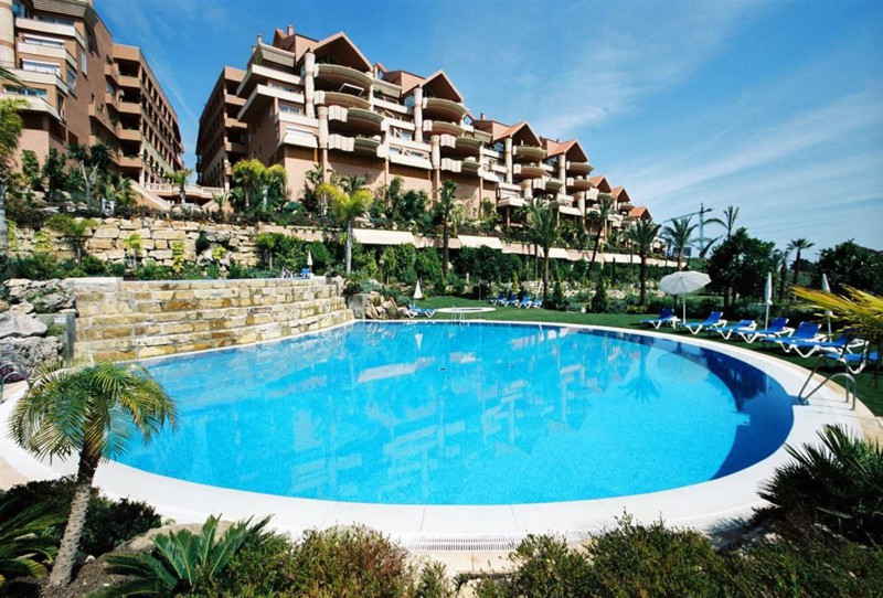 Superb 2 bedroom, 2 bathroom and a guest toilet apartment in Magna Marbella, Phase I, Edifico Picass,Spain