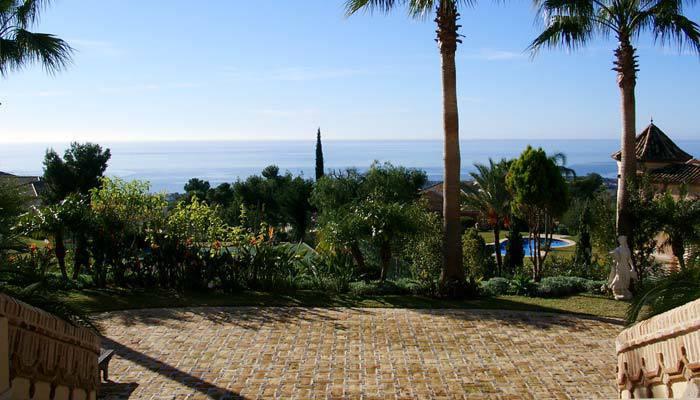 Detached Villa for sale in Sierra Blanca R3646943