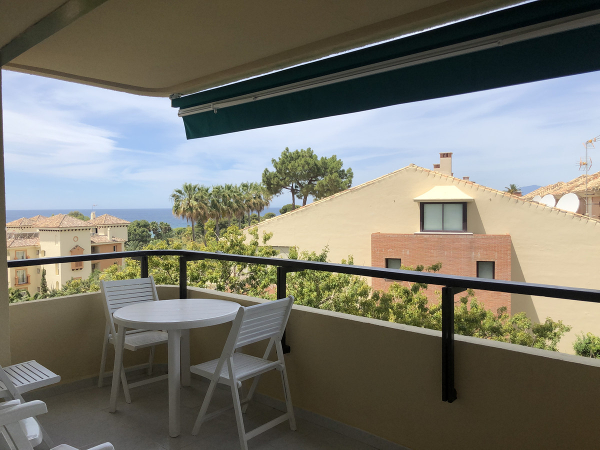 One of the nicest studios in Elviria Beach. Nice Sea & Mountain views and Fantastic location nex, Spain