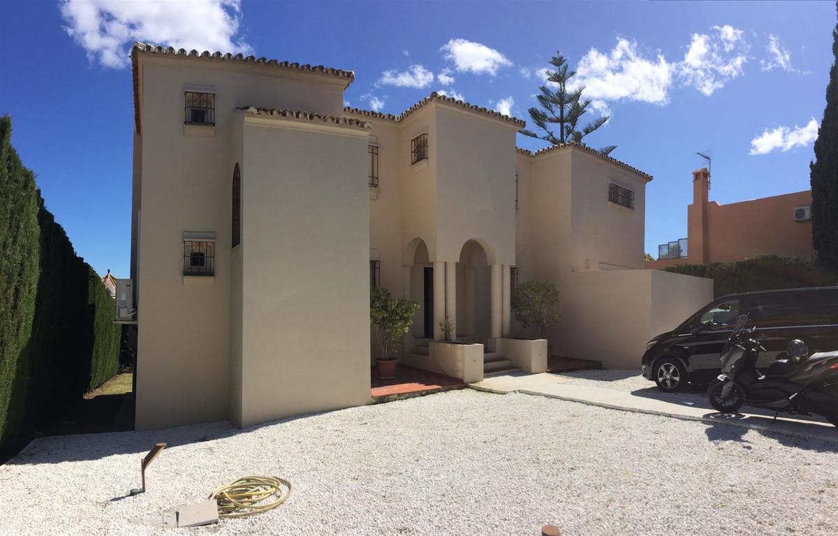 Marbella Banus Villa – Chalet en Venta en Puerto Banús – R3160825