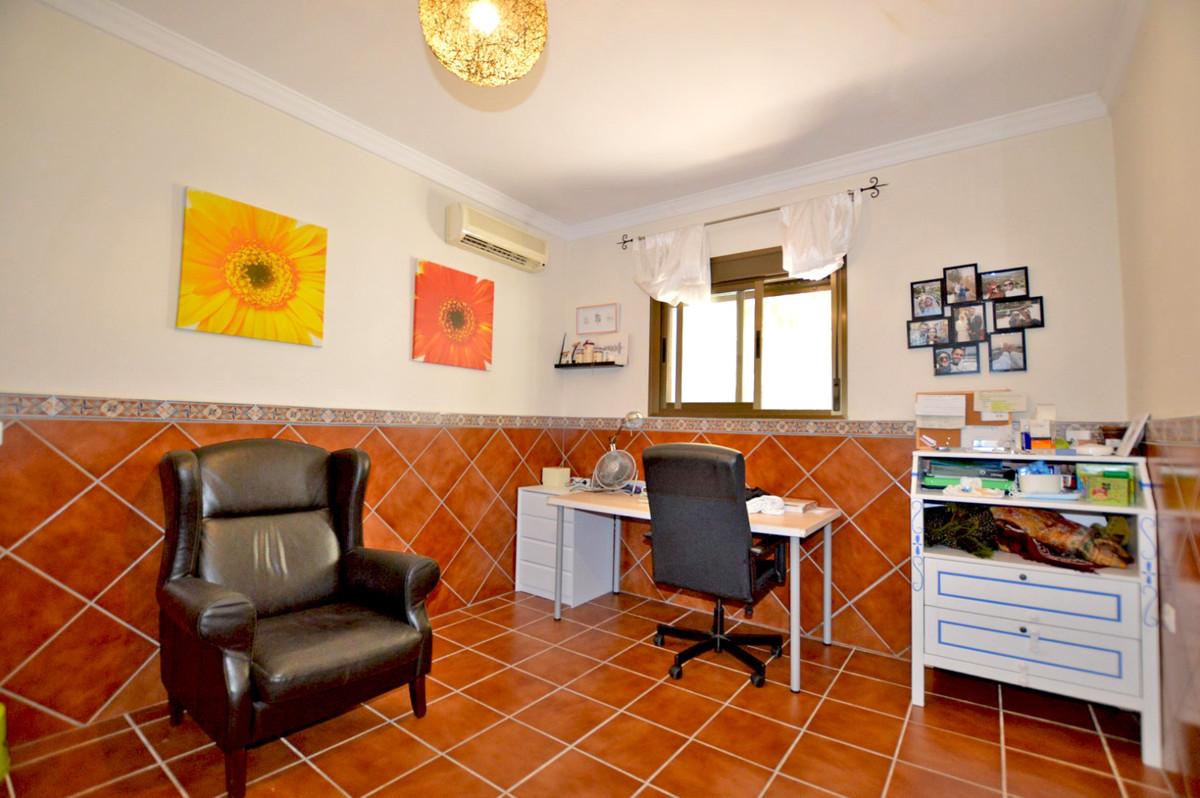 House in Alhaurín de la Torre R3893149 35