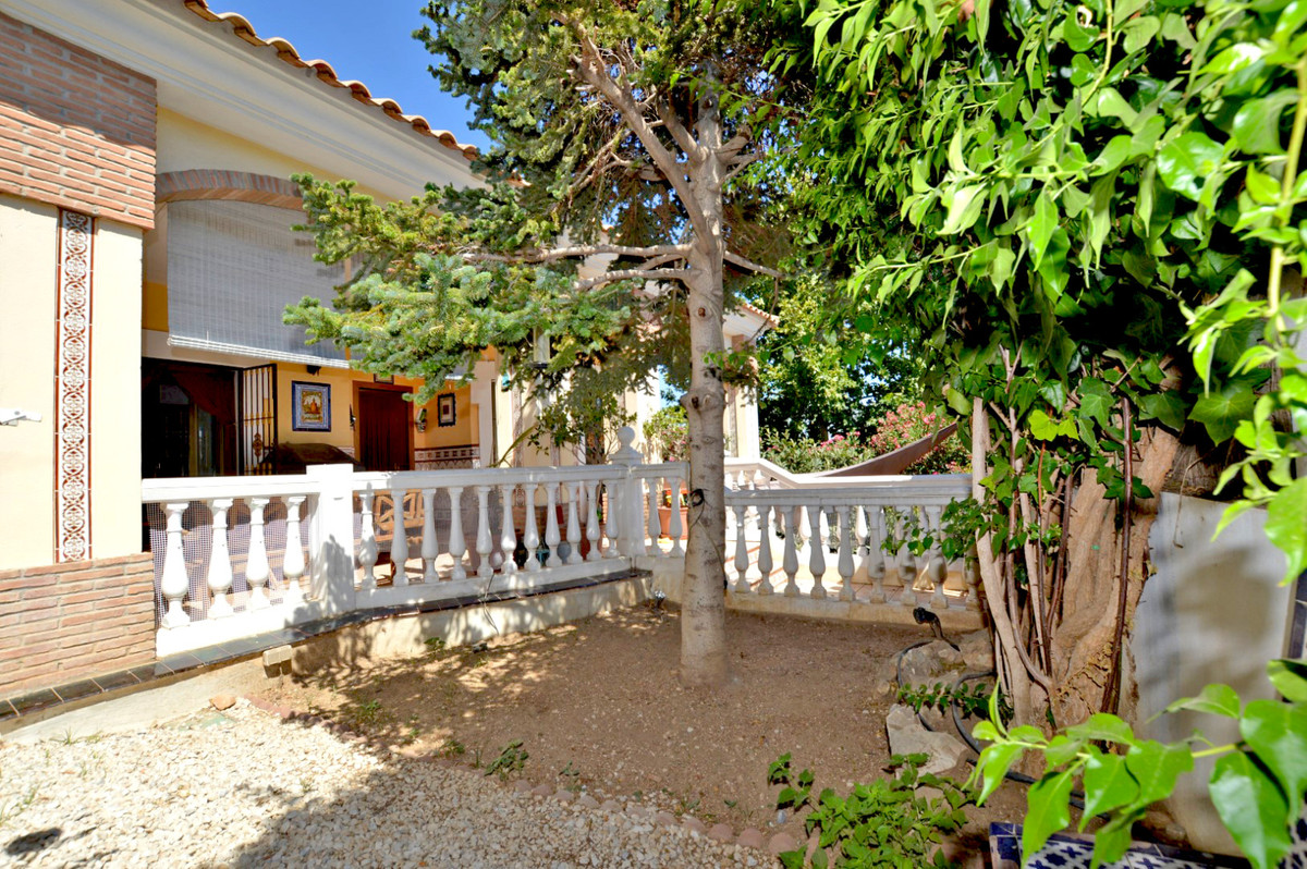 House in Alhaurín de la Torre R3893149 40
