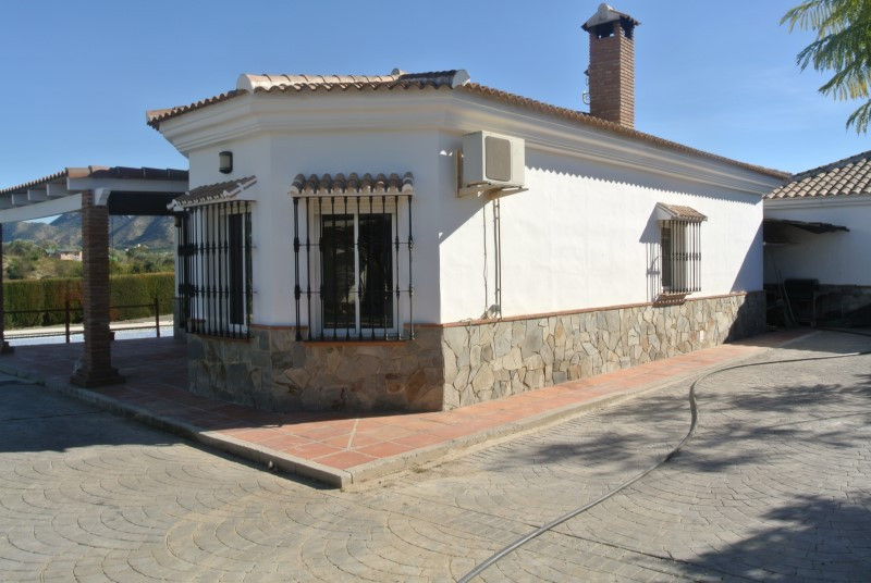 3 bedrooms, 2 bathrooms, one level finca deep in the heart of Villafranco countryside with beautiful, Spain