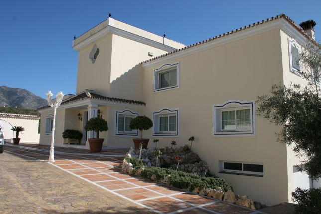 Impressive villa with panoramic views over Mijas Golf, the mountains and out to the Mediterranean se, Spain