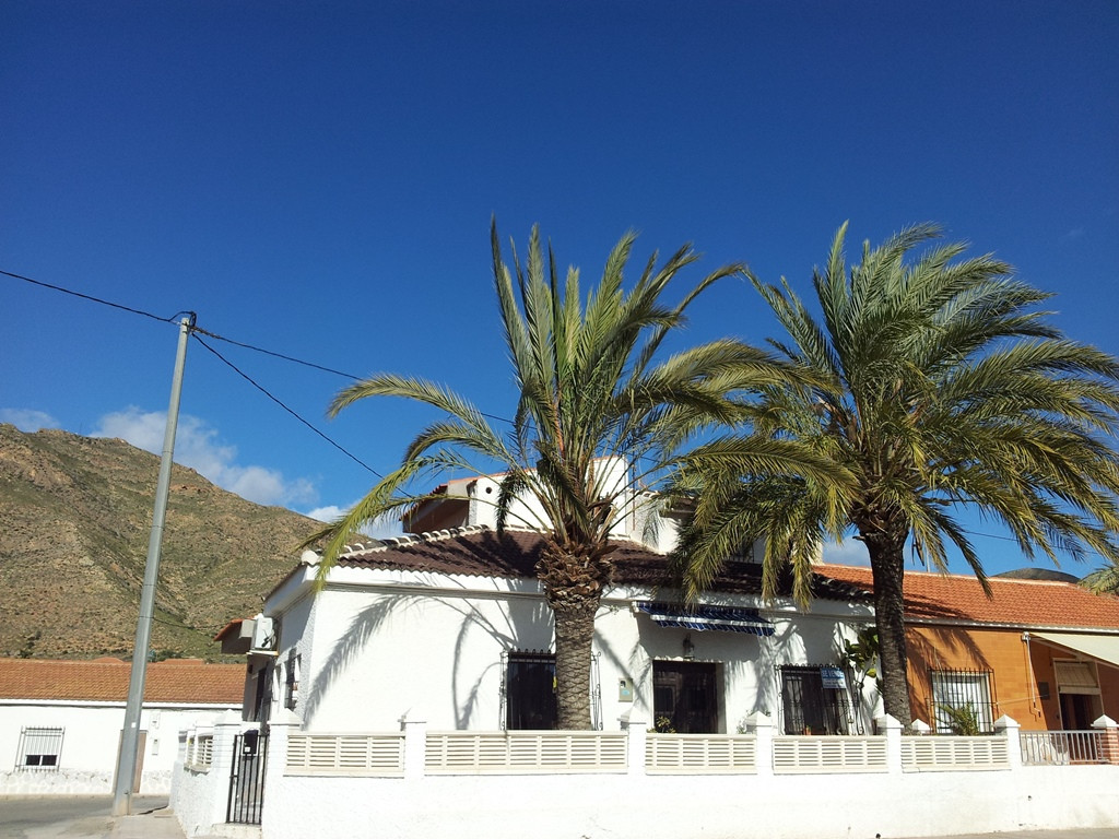 Beach side property with fantastic views and close to amenities.  The property is situated on a corn,Spain