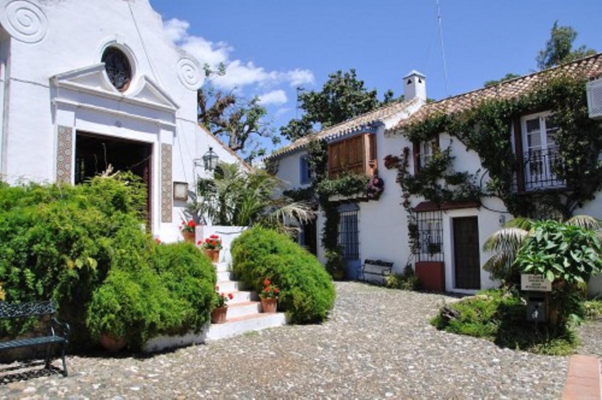 Marbella Banus Adosado en Venta en Marbella – R3635735