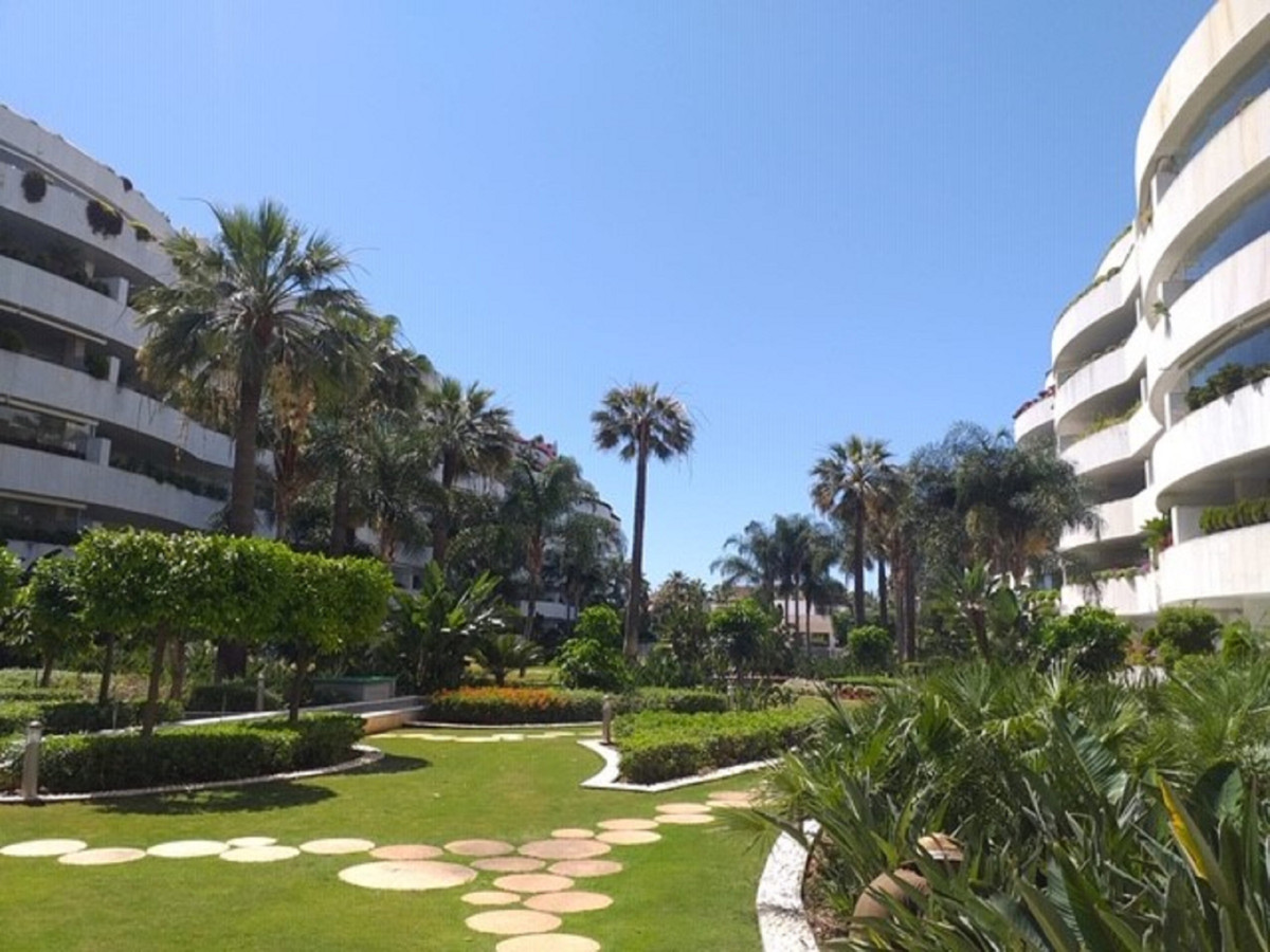Luxury apartment in Embrujo Banus just a few meters from the beach and very close to the port of Pue,Spain