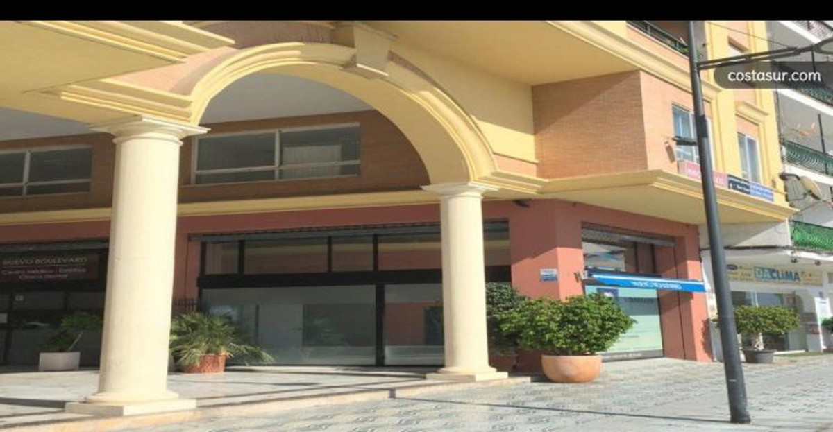 For sale office of 150 m2. in the center of San Pedro de Alcantara. Currently there are 4 consultati,Spain