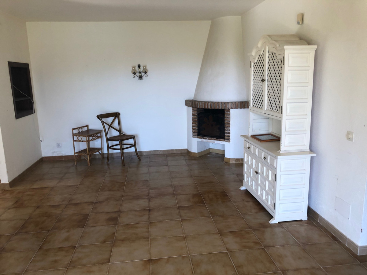 House in Atalaya R3680081 12