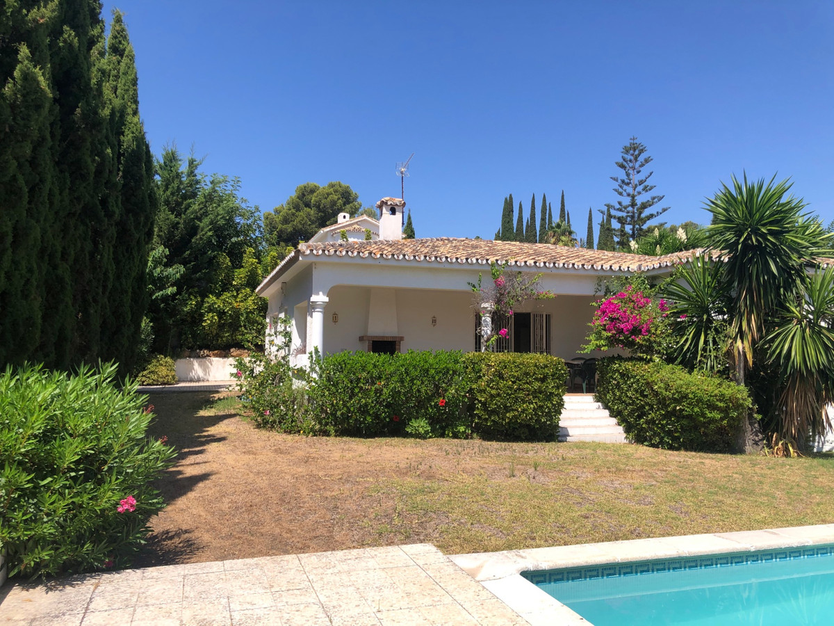 House in Atalaya R3680081 2