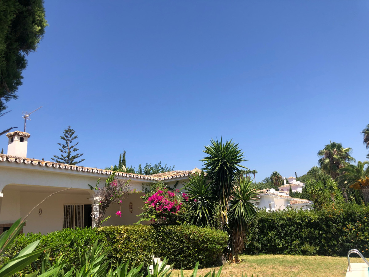 House in Atalaya R3680081 6