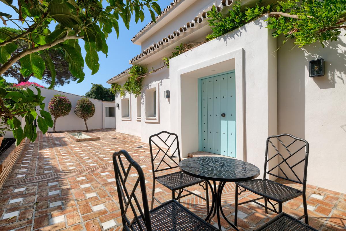 Marbella Banus Villa – Chalet en Venta en Guadalmina Alta – R3652076