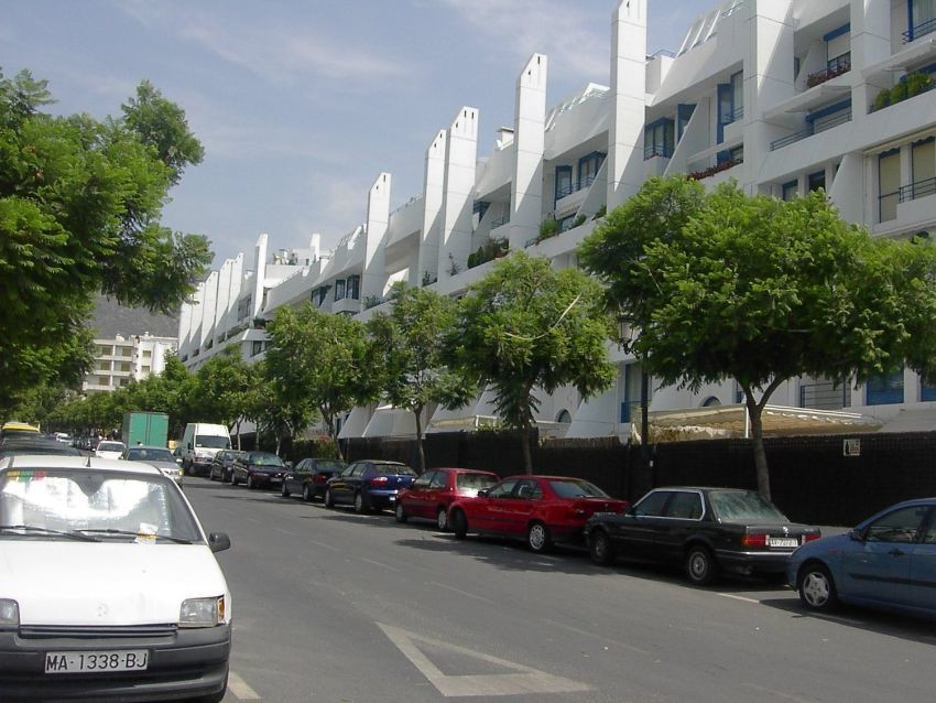 Magnificent commercial premise for sale at street level located in a busy and active area near the c, Spain