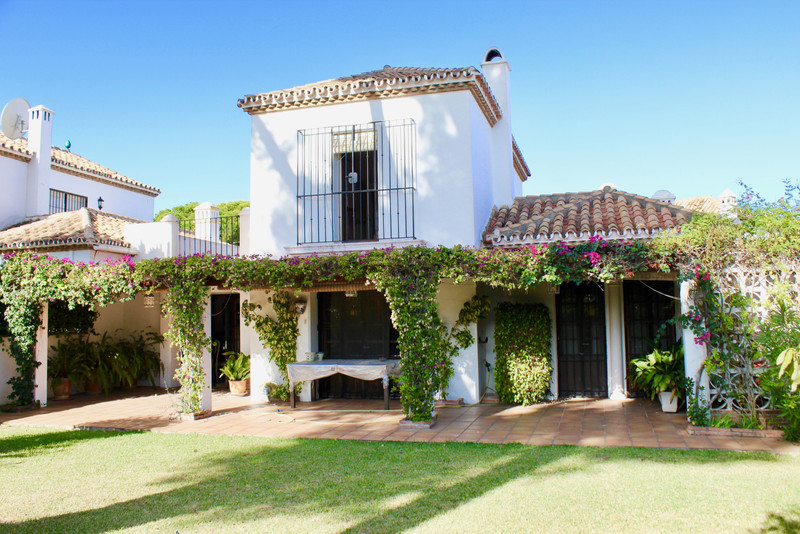 Villas for sale in Estepona (New Golden Mile) 21