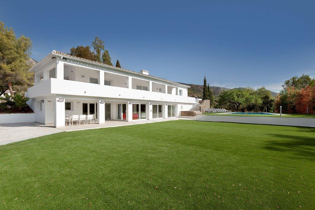 Detached Villa for sale in Sierra Blanca R2344298