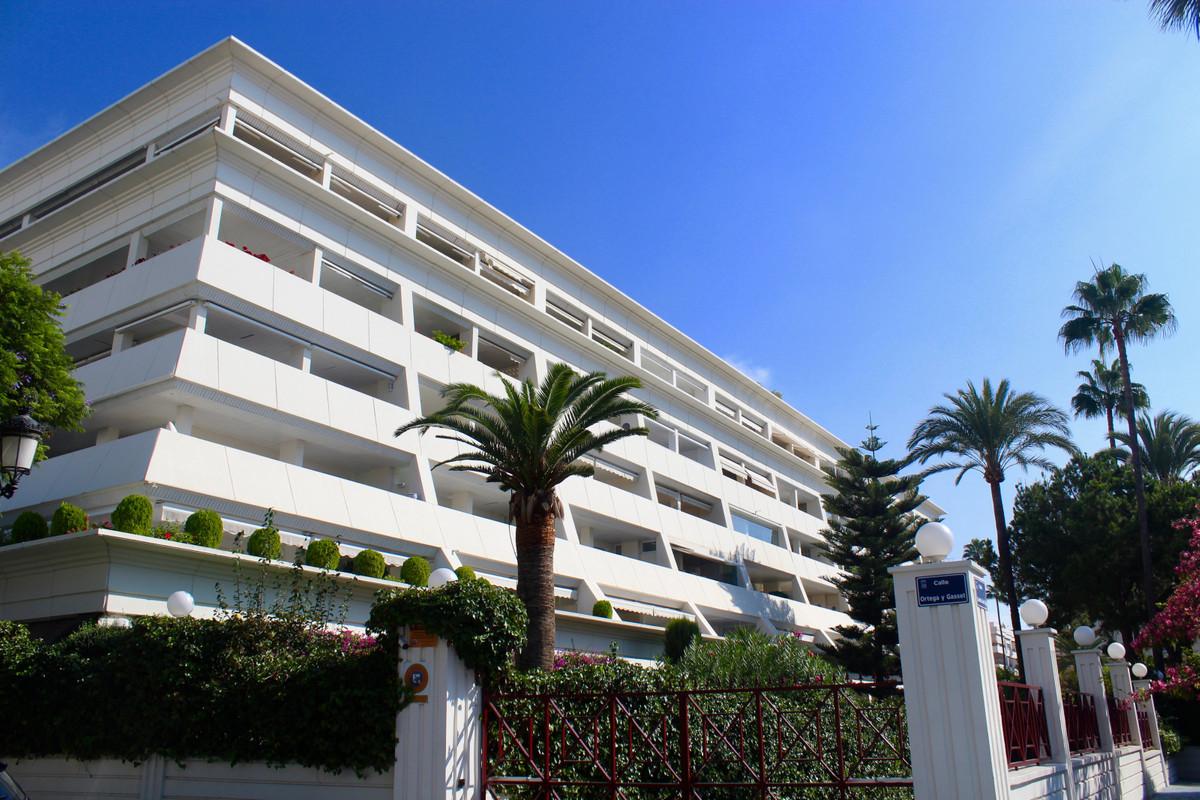 Marbella Banus Apartamento Planta Media en Venta en Marbella – R3657680