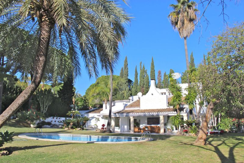 Classical style villa located in the Golf Valley of Nueva Andalucia, only a minutes drive from Puert,Spain
