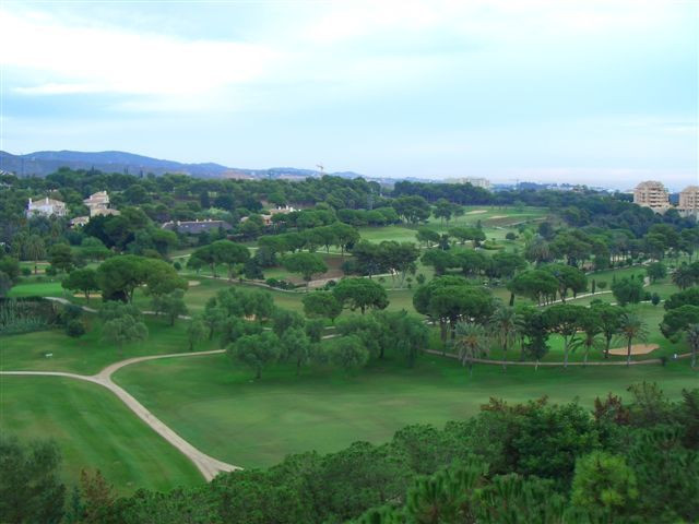 New property, never been used for more than 2 month. Excellent location in Rio Real Vista Golf, clos, Spain
