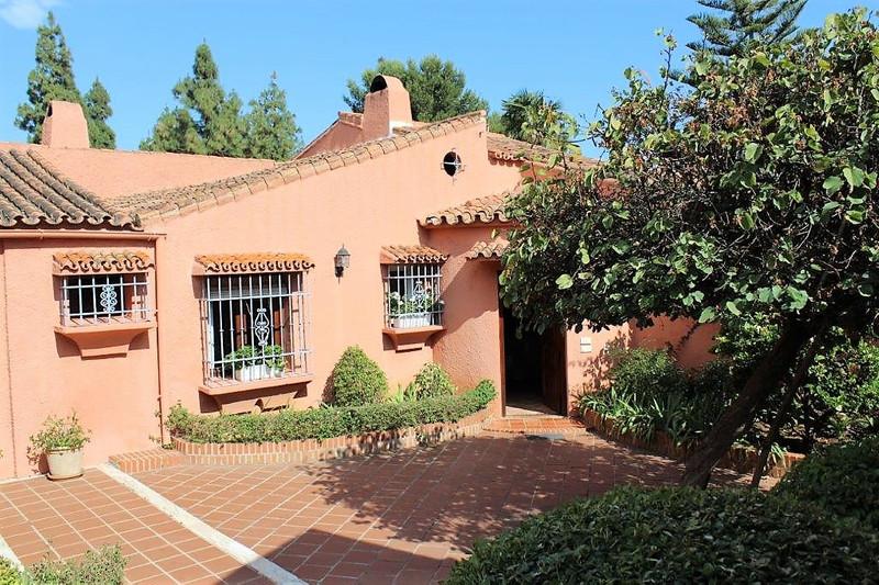 Villa – Chalet en venta en Marbella – R3203512