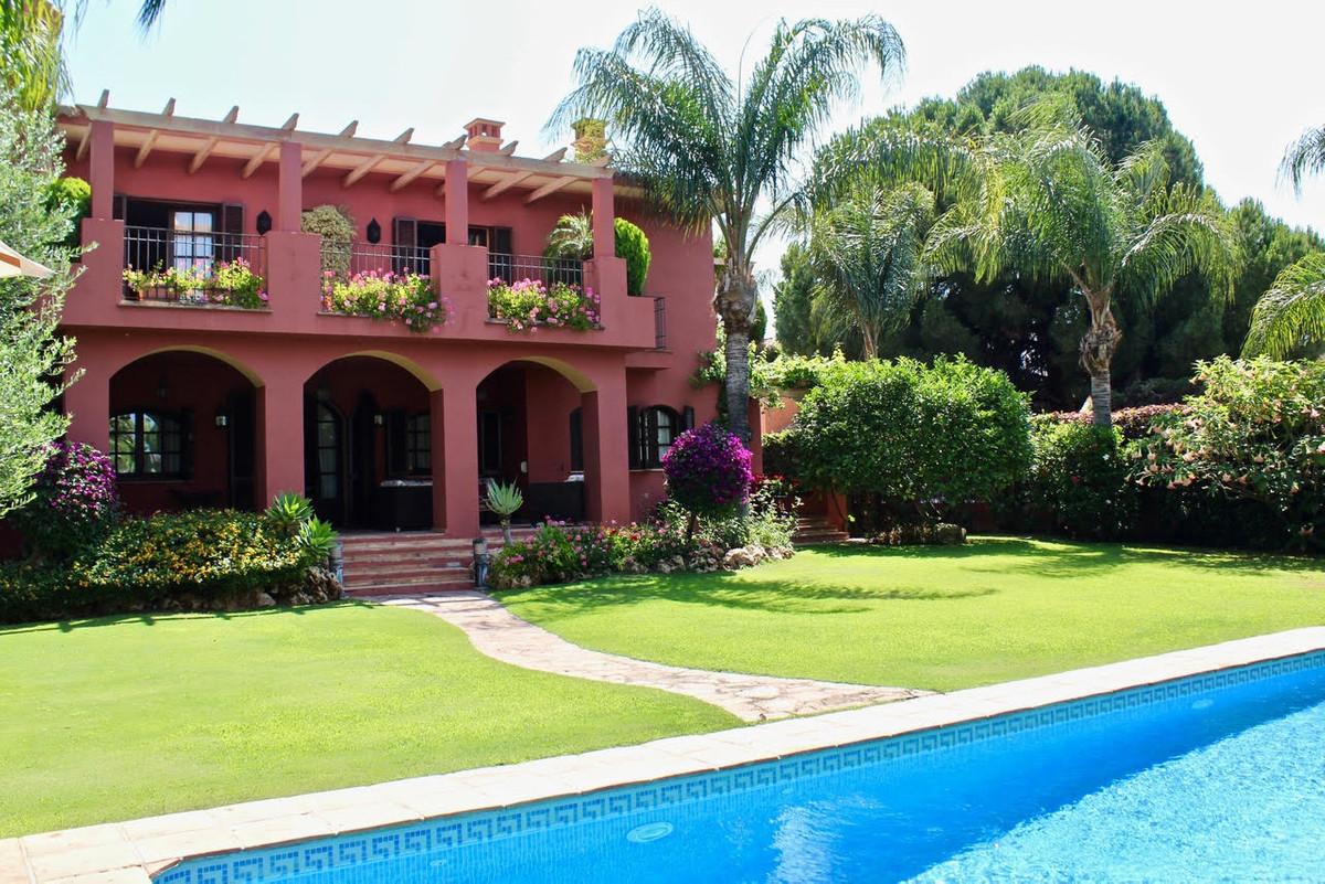 Villa 6 Dormitorios en Venta San Pedro de Alcántara